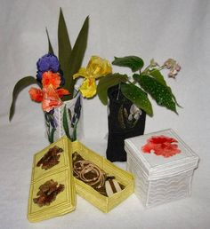 Iris Boxes and Vase Covers Black Vase, Lace Design, Machine Embroidery Designs, Iris, Boxes, Shapes, Create, How To Make, Top