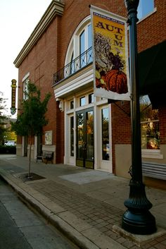 Mellow Mushroom in downtown, historical Franklin! Stop by for a delicious pizza break!