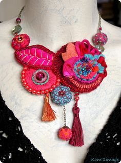 Wow I LOVE this - the most elegant textile necklace I have seen so far! Wow I LOVE this - the most elegant textile necklace I have seen so far! Fiber Art Jewelry, Mixed Media Jewelry, Textile Jewelry, Fabric Jewelry, Jewelry Art, Jewellery, Fabric Beads, Fabric Art, Fabric Crafts