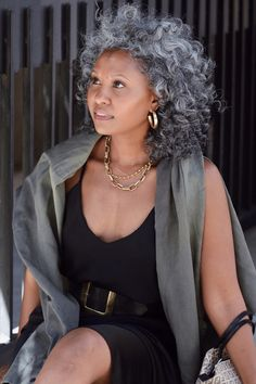 Silver Haired Beauties, Silver White Hair, Grey Hair Inspiration, Curly Hair Styles, Natural Hair Styles, Salt And Pepper Hair, Ageless Beauty, Sexy Older Women, Hair Photo