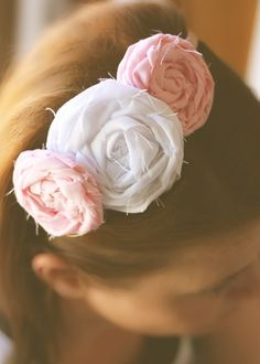 Rolled Fabric Flower Headband (via Life Through The Lens Thinking this would be fun for craft night!