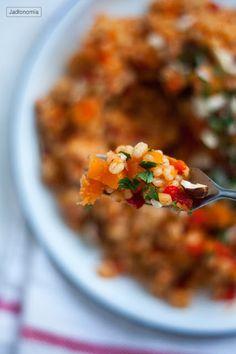 jadłonomia • roślinne przepisy: Pęczak z dynią i pieczoną papryką