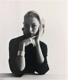 Grace Kelly Mark Shaw photo Credit: Grace Kelly: Hollywood Dream Girl by Manoah Bowman and Jay Jorgensen (2017, HC)