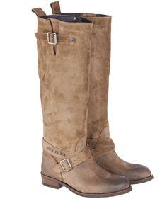 In diese Stiefel von Tommy Hilfiger passen am 6. Dezember einige Nüsse, Mandarinen und Süßigkeiten hinein..   #tommy hilfiger #boots