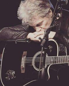 Bon Jovi                                                       …
