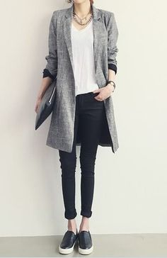 Wisqueen's spring linen cotton coat gray long coat suit collar coat loose fit coat chic coat city ladies Minimalist fashion inspiration, perfect to pair up with our Neue Outfits, Office Outfits, Fall Outfits, Casual Outfits, Casual Blazer, Long Blazer, Look Fashion, Korean Fashion, Womens Fashion