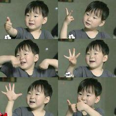 Song Number by Daehoneey 1: eel cho-rah-do ahn-bo-ee-myun 2: ee ruh-keh cho-joh-han-deh 3: sam cho-neun uh-dduh-keh gee-dah-ryuh eeya-eeya-eeya-eeya 4: sah-rahng-heh nuhl sah-rahng-heh 5: oh neul-eun mahl-hal-guh-yah 6: yook shib-uhg jee-goo-eh-suh nuhl mahn-nan-gun 7: chil lucky ya! Little Babies, Cute Babies, Song Il Gook, Triplet Babies, Superman Kids, Song Triplets, Song Daehan, Lil Boy, Cute Love