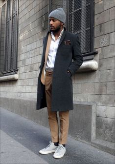 How to Wear Grey Sneakers For Men looks & outfits) Men Street, Street Wear, Mode Man, Outfits Hombre, Herren Outfit, Business Outfit, Style Casual, Street Fashion, Mens Fashion