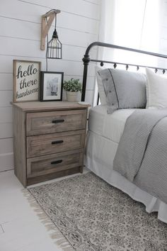 Rustic Farmhouse Bedroom Ideas For A Rustic Country Home more search: farmhouse bedroom decorating ifarmhouse decorating ideas bedroom, deas, farmhouse master bedroom ideas, farmhouse style. Farmhouse Master Bedroom, Master Bedroom Makeover, Master Bedrooms, Bedroom Rustic, Farmhouse Bedroom Furniture, Bedroom Country, Country Furniture, Country Style Bedrooms, Shabby Chic Master Bedroom