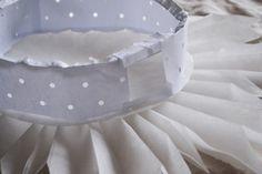 DIY: SNÖBLOMMA | leitntos Paper Decorations, Christmas Decorations, Christmas Ornaments, Scandi Christmas, Xmas, Christmas Ideas, Diy And Crafts, Arts And Crafts, Paper Crafts