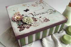 caixa decorada com flores