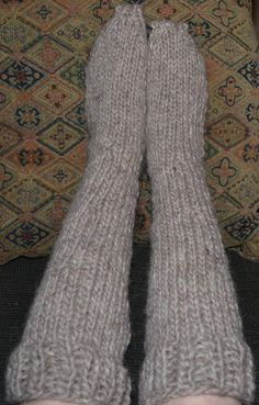 Knitting Videos, Loom Knitting, Knitting Patterns Free, Knitting Socks, Wool Socks, Knit Patterns, Free Knitting, Free Pattern, Crochet Clothes