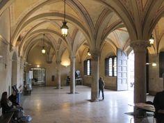The Palazzo Gambacorti's Gothic-style atrium, Pisa