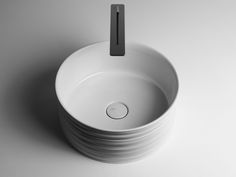 Trace Collection is designed by Gianni Veneziano and Luciana Di Virgilio from V+T studio. A Trace is the manifestation of a feeling, the hint of something, the sketch of a drawing, a mark left on the ground, an impression, a line cutting through the surface.  The flow of time and water has created sculptures …
