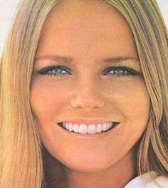 Cheryl Tiegs. A timeless beauty. You know we love a 1970's lady.