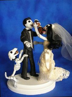 Skull Wedding Cake Topper Oh My God This Is Perfect With The Skeleton Dog And Everything