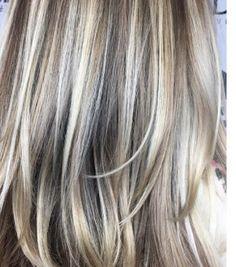 Hair Painting Highlights, Hair Color Highlights, Platinum Highlights, Blonde Hair Going Grey, Blonde Hair Shades, Ash Blonde, Foil Hair Color, Hair Color And Cut, Haircuts Straight Hair