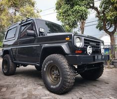 Bid for the chance to own a 1979 Toyota Land Cruiser at auction with Bring a Trailer, the home of the best vintage and classic cars online. Lot BMW Porsche Type 540 America Roadster Portuguese Porsche 356 Is An Outlaw Roaming Lisbon Daihatsu, 4x4, Adventure Car, Classic Car Restoration, Bmw E30, Four Wheel Drive, Porsche 356, Classic Cars Online, Toyota Land Cruiser