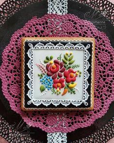 Hungarian folk art flower #flowers#flower #color #colorful #blackandwhite #lace #nice #handpainted #handmade #mezesmanna#instagram #instagood