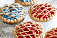 """Cupcake decorating ideas from """"what's new cupcake?"""""""