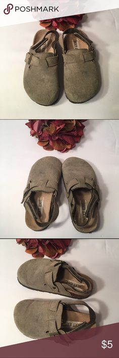 Kid's Birk style suede mules Kid's Birkenstock style suede leather mules, size 8. Adjustable strap across top and velcro strap at back. Leather is in great condition with one small spot on top of left shoe. Comes from smoke free home! Next Exit Shoes