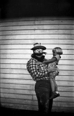 vintage everyday: Haunting Vintage Halloween Photographs before the 1950s