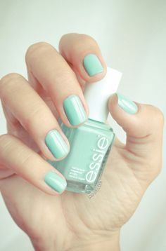 "The ""Tiffany blue"" Mint Candy Apple by Essie - Nail Polish Colors and Ideas - #nails #nailpolish #beauty  Trouvé sur pshiiit.com"