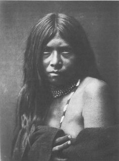 A portrait of the American Indian At the beginning of the century, Edward S. Curtis set out to document what he saw as a disappearing race: the Native American. An Apache girl in (Edward S. Native American Beauty, Native American Photos, Native American Tribes, Native American History, American Indians, Native Americans, American Girl, Apache Indian, Native Indian