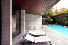 Architect-designed house for sale in Wahroonga. Gissing House by Harry Seidler: Water Street, Wahroonga, Sydney, NSW 2076 Australia Australian Architecture, Architecture Design, Paving Ideas, Mid Century House, Mid Century Modern Design, Cool Pools, Bungalows, Midcentury Modern, Outdoor Spaces