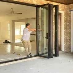 Bifold Doors - New Ideas House Gate Design, Home Room Design, Modern House Design, Home Interior Design, Modern House Facades, Modern Houses, Exterior Design, Casas Containers, Patio Makeover