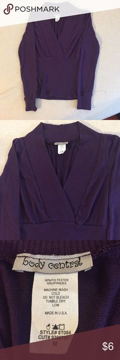 Women's Body Central Light sweater Women's Body Central sweater size Medium. Runs small and is very light. Perfect to pair with a fall scarf. Body Central Sweaters