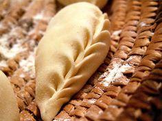ricetta e ricette: Culurgiones marini. La ricetta dello Chef Matteo Cappabianca - A very special italian recipe for special 'ravioli' from Sardinia. Also known like 'culurgiones'