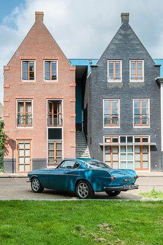 "thatyellowvolvoguy: ""wellisnthatnice: ""Volvo P1800 by Roberto Braam on Flickr. "" Great color! """