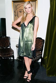 Who's That Girl: Nicola Peltz via @WhoWhatWear
