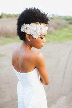 Fiji Bridal Session and wedding inspiration | Kama Catch Me Photography | see more on: http://burnettsboards.com/2015/04/sand-sea-fiji-bridal-session/