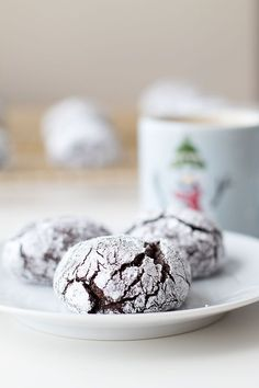 Spiced Chocolate Crinkle Cookies... a delicious twist on the traditional crinkle cookie, and a perfect treat for the holidays and all winter long.