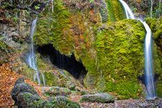 Waterfall in Nohn, Germany - Die Wasserfälle bei Nohn (Dreimühlen) Deutschland. (Landscape)