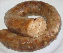 Hungarian Homemade Sausage (Hazi Kolbasz) This recipe for homemade Hungarian sausage or hazi kolbasz is made with pork shoulder, garlic, salt, pepper and paprika. Homemade Sausage Recipes, Meat Recipes, Cooking Recipes, Bulk Sausage Recipe, Venison Recipes, Cooking Tips, Hungarian Cuisine, Hungarian Recipes, Hungarian Sausage Recipe