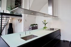 Glazen aanrechtblad in 19 mm glas | keuken inspiratie | vidre glastoepassingen