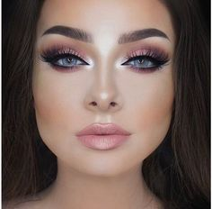 Make-up to sublimate blue eyes - Makeup for Best Skins! Eye Makeup, Prom Makeup, Make Up Looks, Wedding Hair And Makeup, Bridal Makeup, Beauty Make-up, Beauty Hacks, Beauty Style, Makeup Inspo