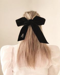 A bow is for life not just for Christmas dream situation from The Zoe Report, Beautiful Hair Color, The Chic, Shoulder Length, Hair Makeup, Braids, Hair Beauty, Hair Accessories, Hair Styles