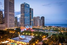 Top Chicago Rooftops - Where to find panoramic views of downtown for free - My Ticklefeet Rooftop Chicago, Chicago River, Chicago Things To Do, Chicago To Do, Chicago Attractions, Chicago Vacation, Visit Chicago, Grant Park, Chicago Photos