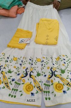 Work Suits For Women, Clothes For Women, Plazo Kurti, Chudidhar Designs, Cotton Kurties, Palazzo Dress, Plazzo Suits, Punjabi Fashion, Sari Blouse Designs