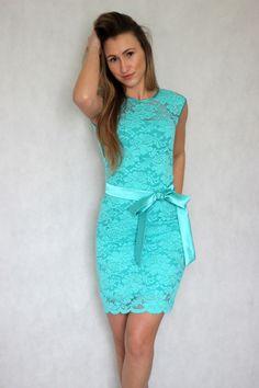 246cbb66738 Koktejlové šaty z elastické krajky různé barvy   Zboží prodejce Dyona