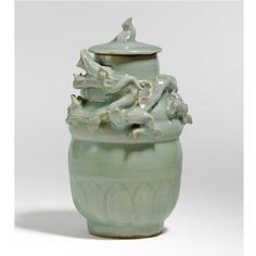 celadon jar and cover. Southern Song dynasty. photo Sotheby's