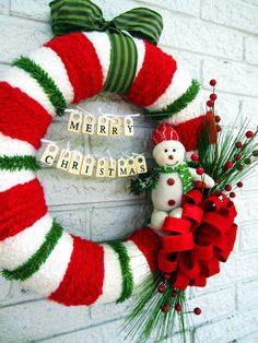 This #Christmas wreath would look adorable on any front door.