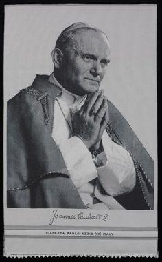 Pianezza Paolo srl (fabricant), Portrait de Jean-Paul II, Azzio,  1984. MT 42589. Don Vial, 1984 © Musée des Tissus, Pierre Verrier