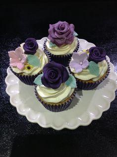 Purple cupcakes by Andrias cakes