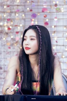 JOY 🍏 by Always_GG on We Heart It- and a nice bit of hair braiding or Herr Braiding! Seulgi, Kpop Girl Groups, Korean Girl Groups, Kpop Girls, Cool Girl, My Girl, Afro, Red Velvet Joy, Velvet Style