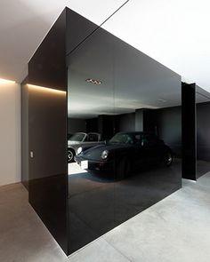 16. Mirror_Black
